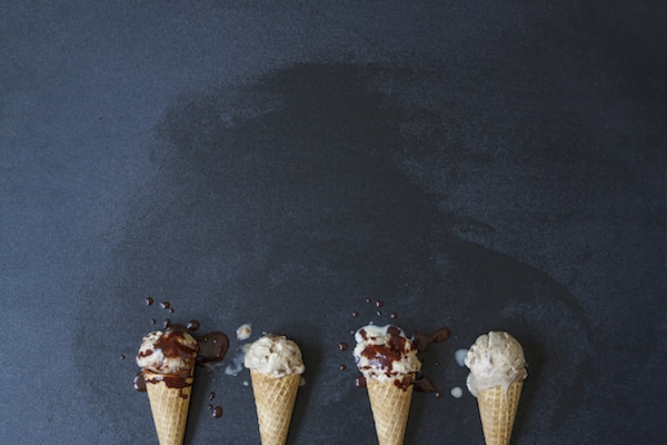 Vegan ice cream cones (4) with chocolate sauce